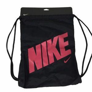 NIKE Gym sack drawstring bag black magenta NWT